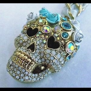 Last available NWT BETSEY JOHNSON SUGAR SKULL CROWN NECKLACE